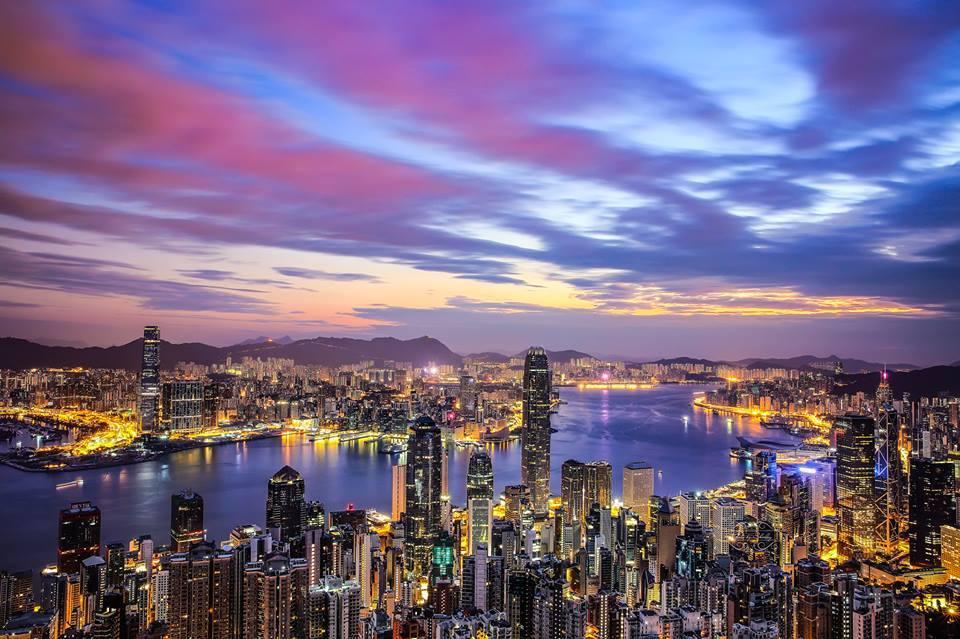 TOP1 AIR UV/維多利亞港璀璨夜景 Photo by Shirley Wung